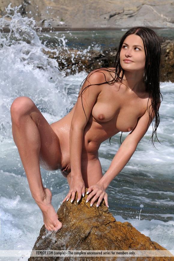 konstanca-in-splish-splash