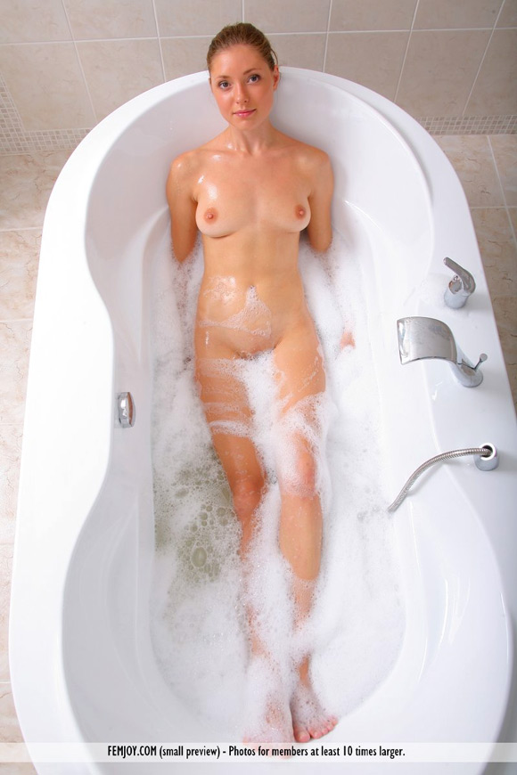 jacquette-in-getting-into-lather